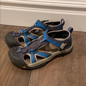Keen waterproof sandals, size 5
